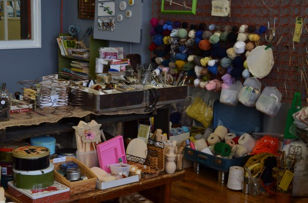 Yarn, lounge and miscellany at Knack